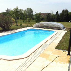 Abris de piscine s curit enfant la boutique du jardinage for Boutique de la piscine
